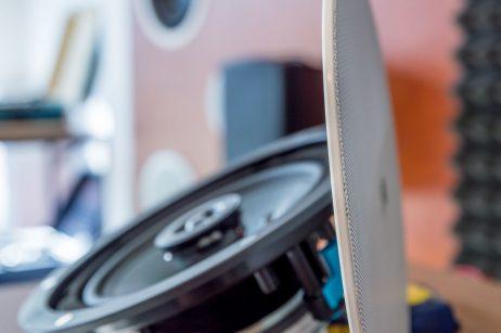 Apart audio CM20DT įmontuojama garso kolonėlė plonu rėmeliu - Garsiau.lt